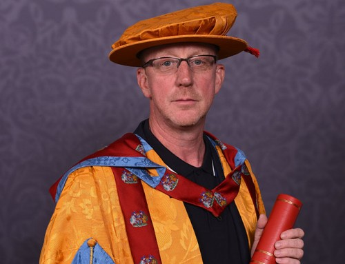 Alumnus and Blur drummer Dave Rowntree returns for honorary award